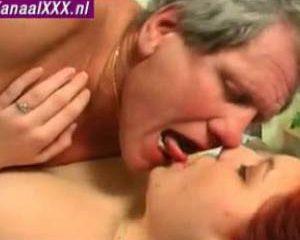 Oude man tiener sex